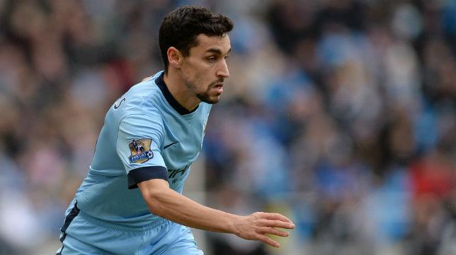 Jesús Navas durante un partido con el Manchester City