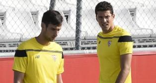 Sergio Rico y David Soria (foto: Jesús Spinola)