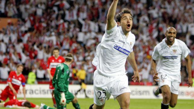 Maresca celebra su segundo gol al Middlesbrough inglés en la final de la Copa de la UEFA de 2006