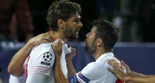 Llorente celebra con Coke su gol ante la Juventus
