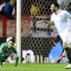 Rami celebra el 2-0 del Sevilla FC ante el Betis. Foto: J. J. Úbeda