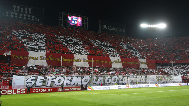 Tifo en el derbi Sevilla-Betis: Se formó la gozadera (Foto: Raúl Doblado)