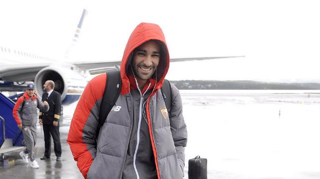 Rami, nada más aterrizar el Sevilla FC en Molde (Foto: SFC)