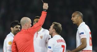 Nzonzi ve la segunda amarilla en el Basilea-Sevilla FC
