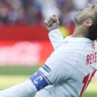 Reyes celebra su gol al Villarreal en el Sánchez-Pizjuán