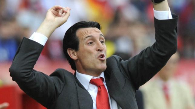 Emery gesticula durante un partido del Sevilla