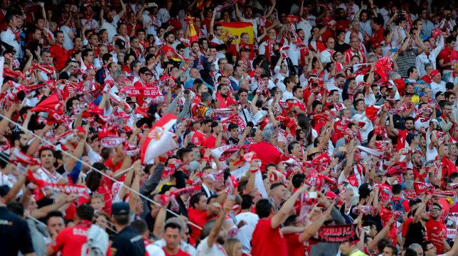 Aficionados sevillistas en la final de la Copa del Rey