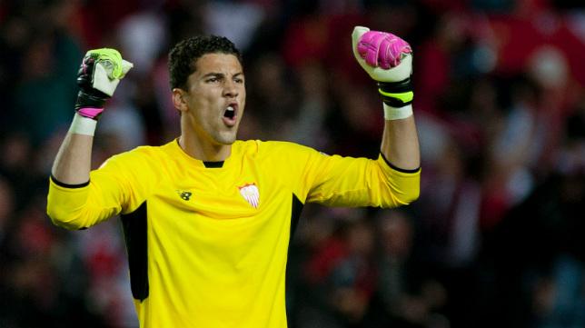 David Soria celebra el primer gol de su equipo en el Sevilla-Shakhtar