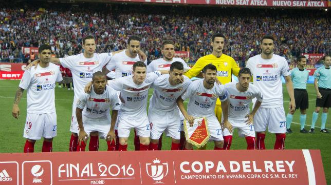 Formación del Sevilla en la final de la Copa del Rey del 2006