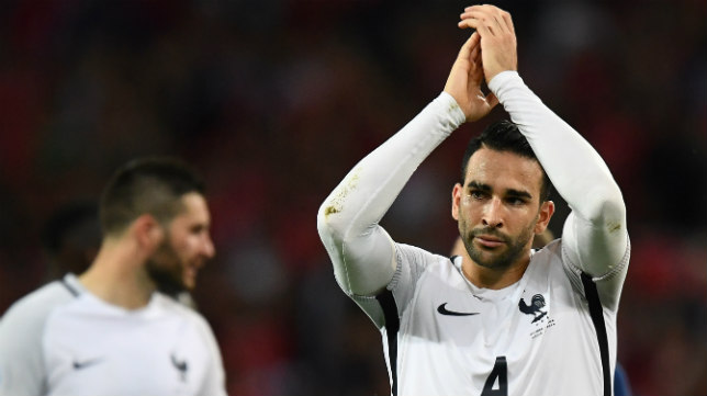 Rami saluda a la afición tras el Suiza-Francia