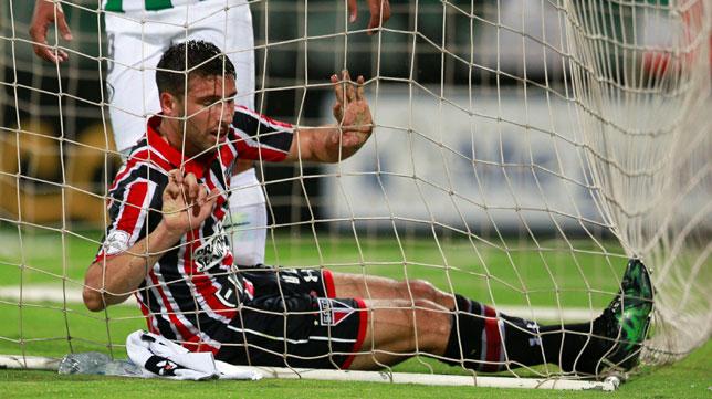 Jonathan Calleri, en un encuentro con Sao Paulo en la Copa Libertadores (foto: Reuters)