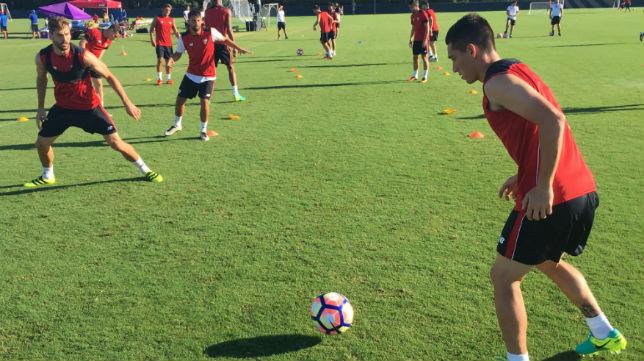 El Sevilla FC se entrena en el ESPN Wide World of Sports Complex (Foto: Sevilla FC)