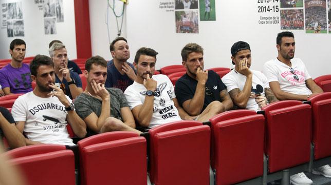 Pareja, Cristóforo, Juan Muñoz, Carriço, Vitolo e Iborra, en la despedida de Coke (foto: Vanessa Gómez)