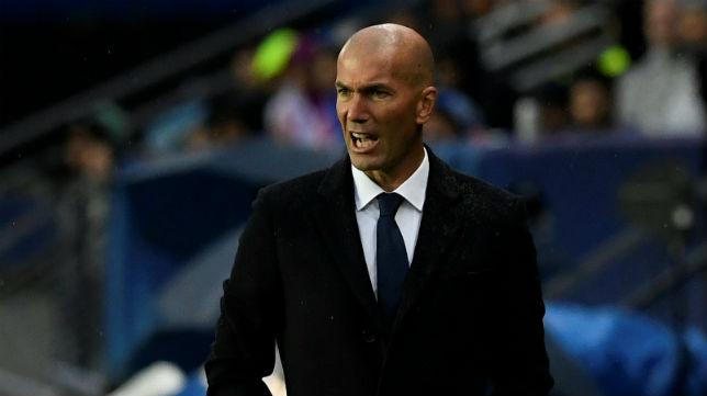 Zidane da instrucciones (foto: EFE/Chema Moya)