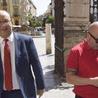 El presidente, José Castro, y el entrenador, Jorge Sampaoli (foto: Jesús Spinola)