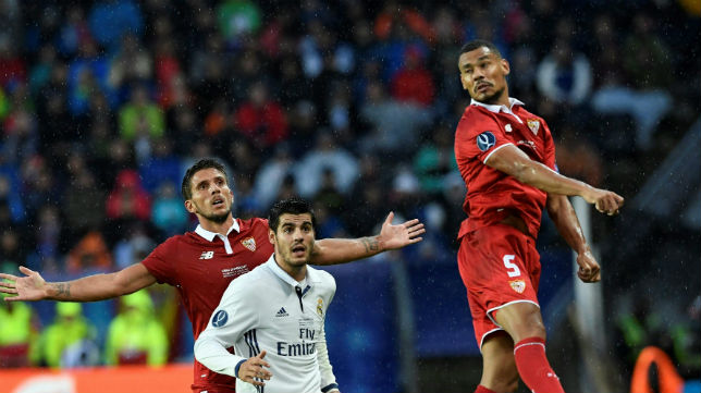 Kolo y Carriço durante una acción en la Supercopa