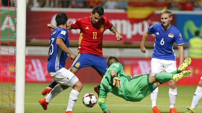 Vitolo, en un lance del partido ante Liechtenstein (foto: EFE)