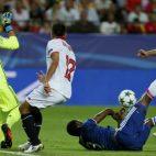Vietto, en una ocasión del Sevilla FC-Lyon