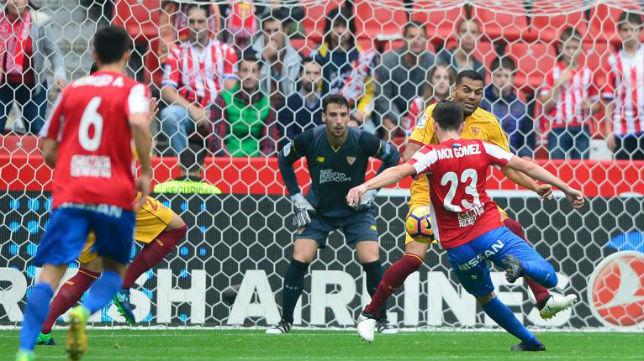Momento en el que el Sporting hace su gol