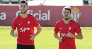 Burgui, a la izquierda, en un entrenamiento con el Sporting