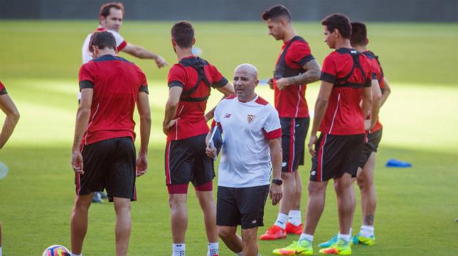 Jorge Sampaoli, durante un entrenamiento del Sevilla