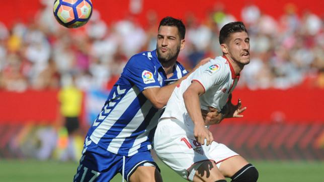 Escudero, durante el Sevilla FC-Alavés de la 2016-2017