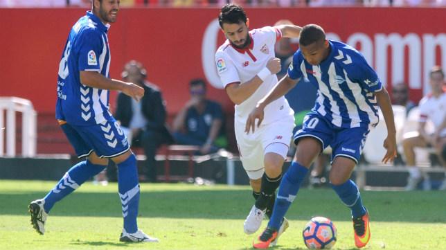 Pareja, durante el Sevilla FC-Alavés