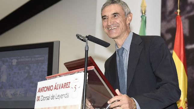 Antonio Álvarez, durante su discurso