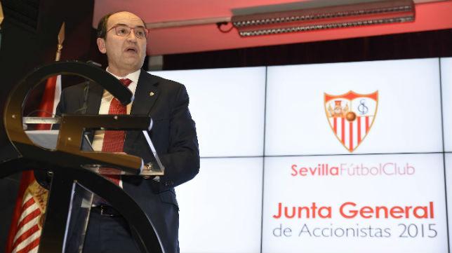 José Castro, en su discurso de la pasada Junta de Accionistas del 2015 (Foto: J. Spínola)