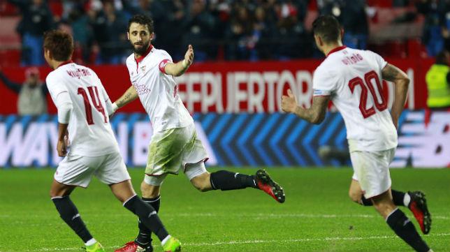 Pareja celebra el gol anotado ante el Valencia (Foto: Raúl Doblado)