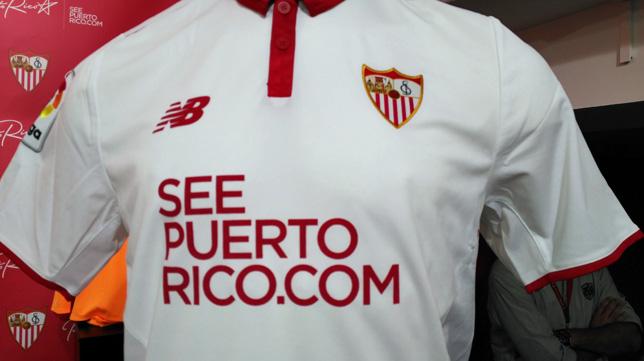 La camiseta del Sevilla, con la publicidad de Puerto Rico