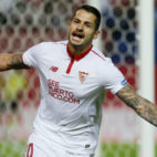 Vitolo celebra el gol anotado en el Sevilla-Barcelona (Foto: EFE)