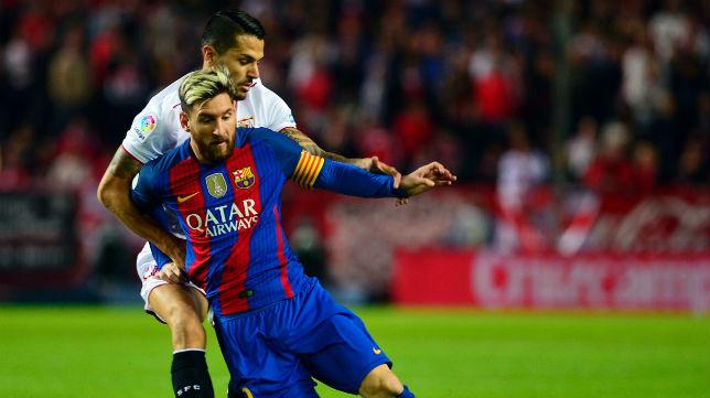 Vitolo y Messi, en el Sevilla-Barcelona (Foto: EFE)