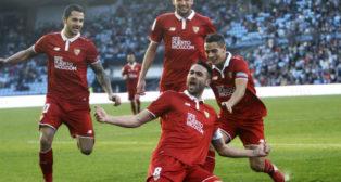 Iborra celebra uno de sus goles en Vigo