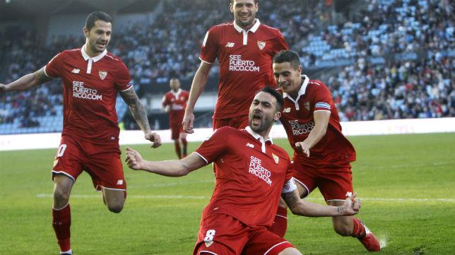 Iborra celebra uno de sus goles en el Celta-Sevilla FC