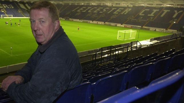 El presidente de la Asociación de Aficionados, Cliff Ginetta, en el King Power Stadium