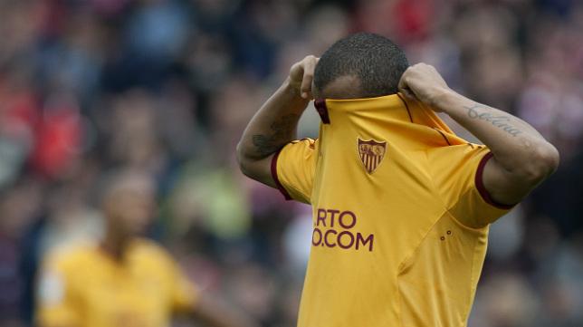 Mariano se lamenta tras el segundo tanto del Granada