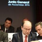 José María del Nido Carrasco, José Castro y José María Cruz, en la junta de accionistas del Sevilla (Foto: J. Spínola)