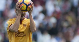 Pablo Sarabia se lamenta tras el segundo gol del Granada