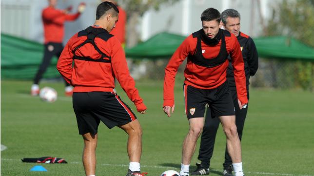 Ben Yedder y Lenglet, durante un entrenamiento del Sevilla (Foto: Juan José Úbeda)
