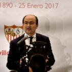José Castro se dirige a la familia sevillista durante el discurso de la cena por el 127ª cumpleaños (Foto: J. M. Serrano)