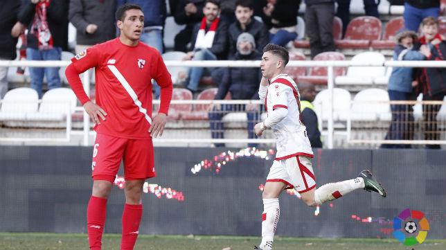 Embarba celebra el tanto el empate al Sevilla Atlético. Foto: LaLiga