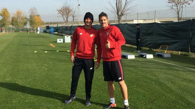 Jovetic posa con Ganso (Foto: SFC)
