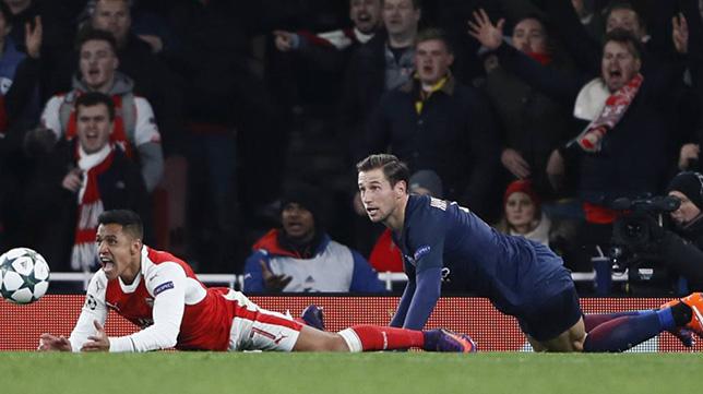 Krychowiak, en un Arsenal-PSG de Champions League