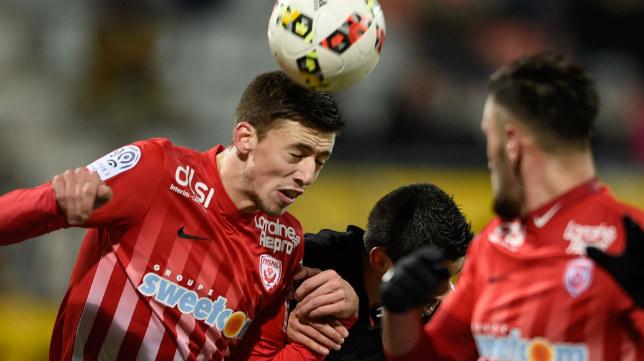 Lenglet, objetivo del Sevilla FC, en un partido con el Nancy