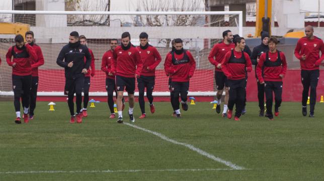 Los jugadores del Sevilla FC en un entrenamiento