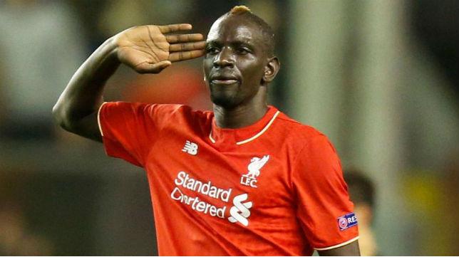 Sakho no entra en los planes del Liverpool y dejará Anfield en el mercado invernal