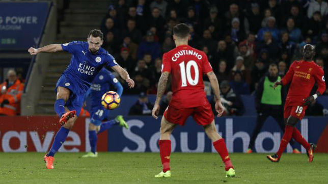 Drinkwater remata ante Coutinho