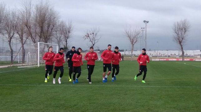 Escudero y Rami, en el entrenamiento del Sevilla hoy (FOTO: SFC)