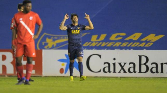 Jona celebra el gol en el UCAM Murcia- Sevilla Atlético. Foto: LaLiga